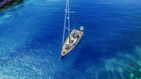 /sailing yacht.jpg